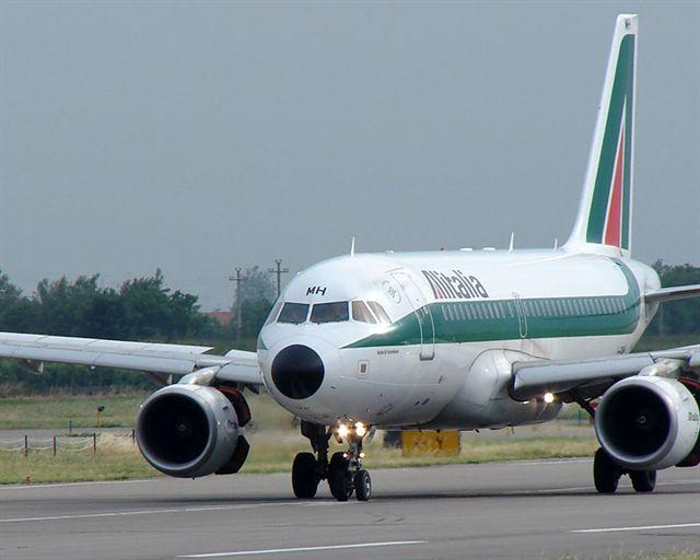 volo in ritardo Alitalia