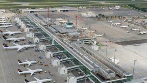 Ritardi aerei e voli cancellati, l'odissea di duecento passeggeri