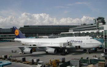 Gesto di solidarietà da parte dei piloti tedeschi contro il rimpatrio di immigranti