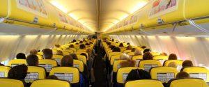 Atterraggio d'emergenza per un volo Ryanair: passeggeri in ospedale