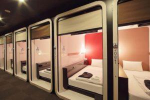 Dormire in aeroporto: tutti i consigli e i capsule hotel