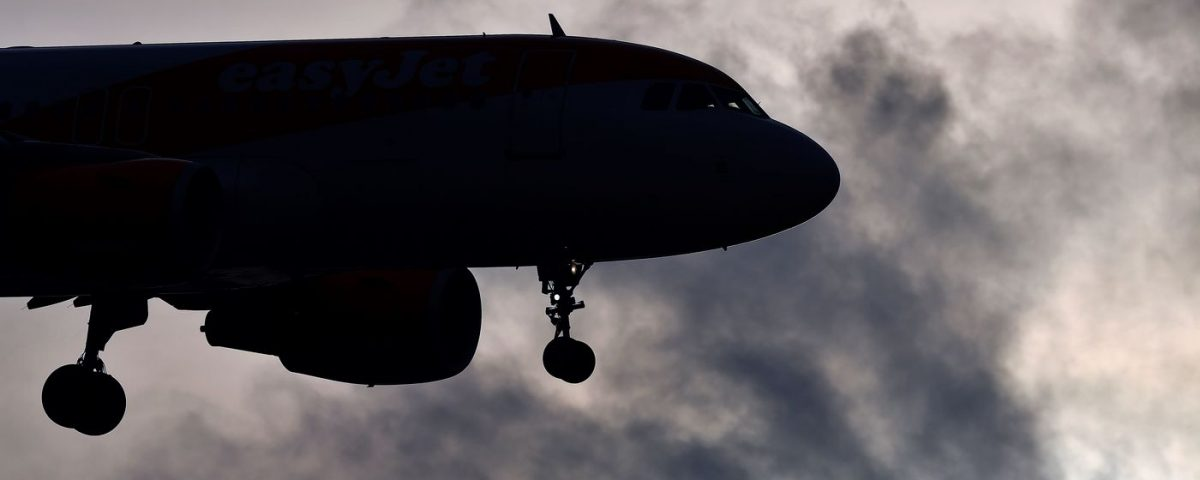 Aeroporto di London Gatwick chiuso piu' volte a causa di droni