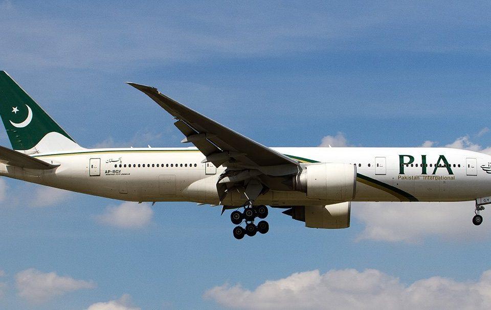In aereo accade di tutto: volo in ritardo a causa di un passeggero maldestro