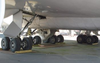 quando si buca una ruota dell'aereo, il viaggio non è rimborsabile!
