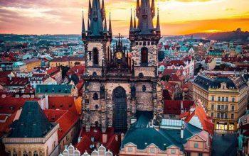panoramica di Praga con torri