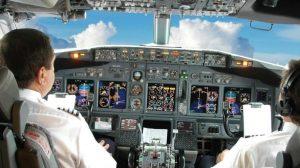 Stop ai pilota suicida: EasyJet sospende un pilota per un messaggio