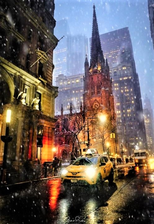 TRINITY CHURCH con taxi giallo