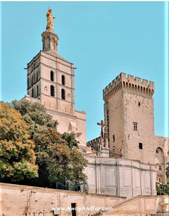 Il castello dei Papi di Avignone