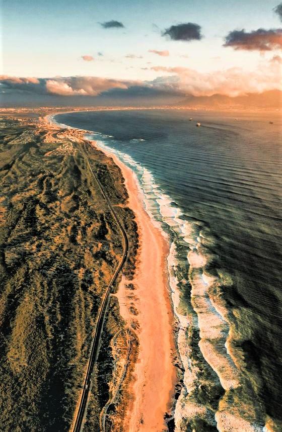 costa del Sud Africa con mare e spiaggia