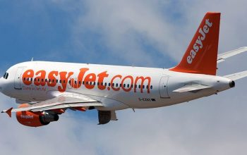 A passenger became the pilot and the hero of an Easyjet flight to Alicante