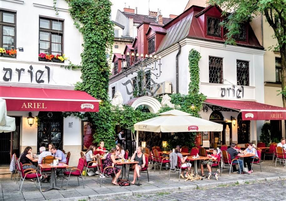 locali all'aperto nel centro storico della città di Cracovia