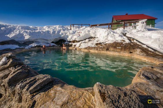 piscina termale in Islanda