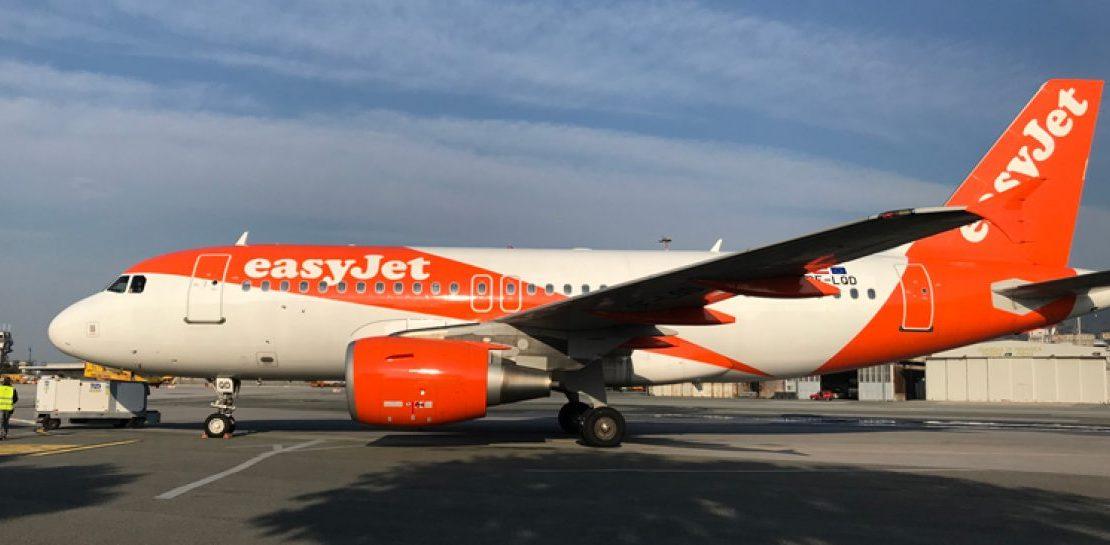 Ritardo aereo a causa di un passeggero irrequieto che voleva scendere