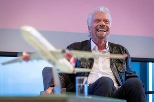 Da un ritardo aereo è nata la Virgin Atlantic: ecco la storia di Richard Branson